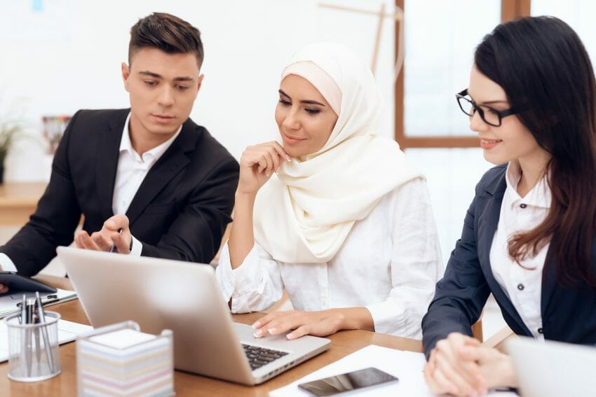 8 Ways to Accommodate People of Faith in the Workplace